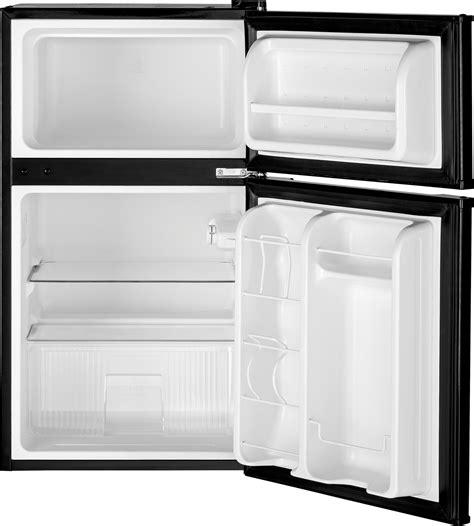 gdeggkbb ge    cu ft double door compact refrigerator black