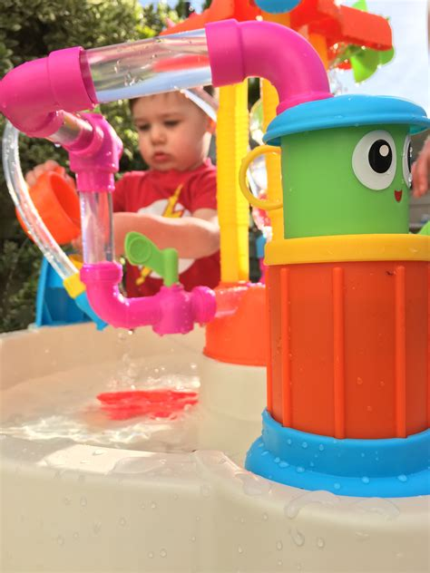 little tikes fountain factory water table watery fun with little tikes 39 fountain factory water table
