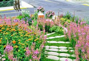 13, Hillside, Landscaping, Ideas, To, Maximize, Your, Yard