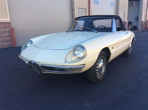 1967 Alfa Romeo 1600 Duetto Spider Roundtail For Sale