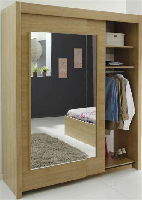armoire chambre a coucher porte coulissante l 39 armoire avec porte coulissante pour la chambre a