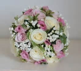 pink wedding flowers wedding flowers jade 39 s classic pink and white wedding flowers solent spa