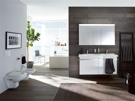 Bilder Im Badezimmer Aufhängen by Wir Installieren In Davos Badezimmer Und Bad