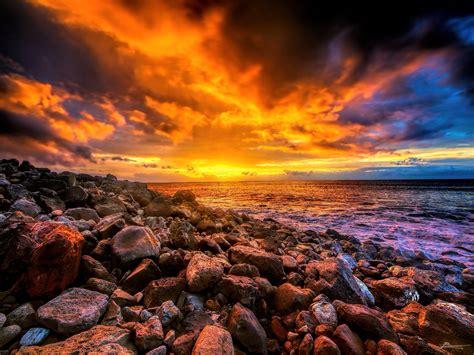 sunset      kalalau trail  na pali