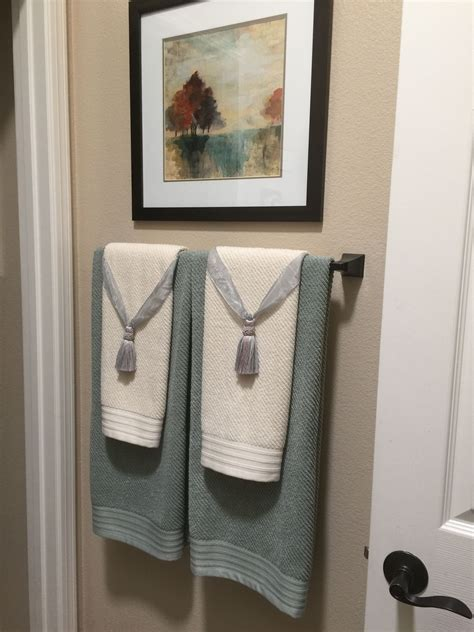 Bathroom Towel Decorating Ideas by Pin By Kjc Gomez On For The Home In 2019 Bathroom Towel