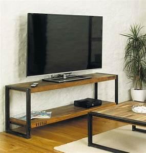 Table Basse Meuble Tv : le meuble tv style industriel en 50 images ~ Teatrodelosmanantiales.com Idées de Décoration