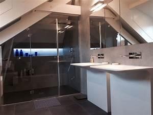salle de bain sous toit en pente With salle de bain en sous pente