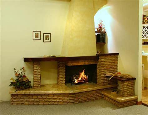camini rustici con forno a legna camini rustici lavorazione artigianale con pietre