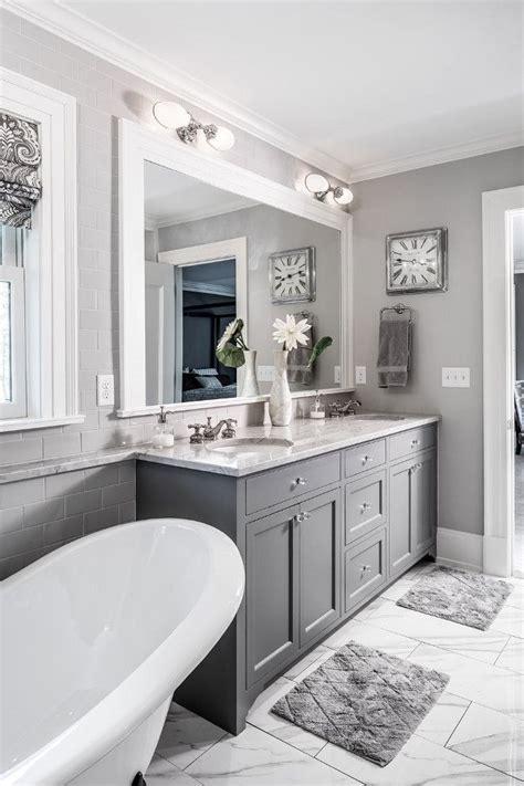 Best 25+ Grey Bathroom Decor Ideas On Pinterest Half