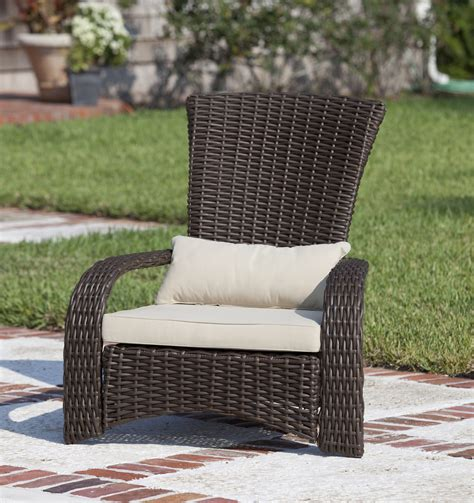 deluxe coconino wicker chair well traveled living