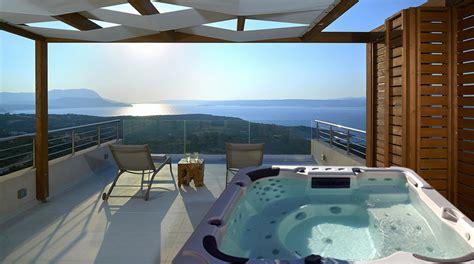la vista piu romantica te la offre la minipiscina  terrazzo