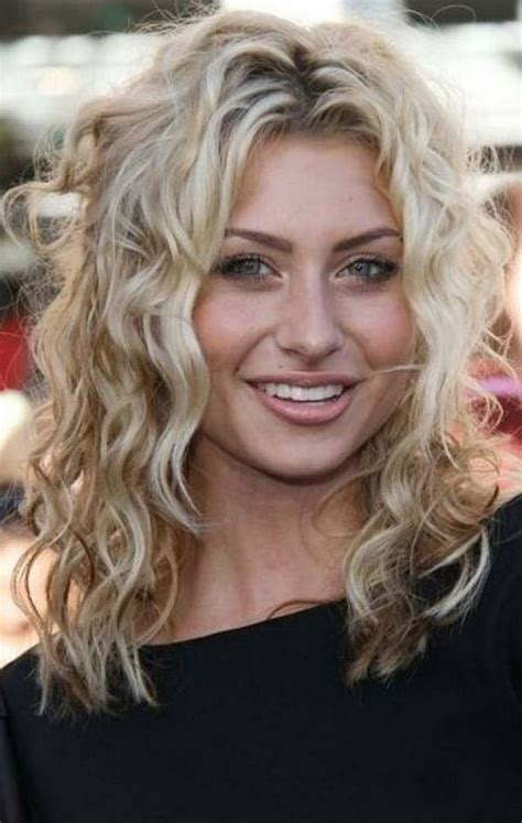 gorgeous hairstyles  fine curly hair fine curly