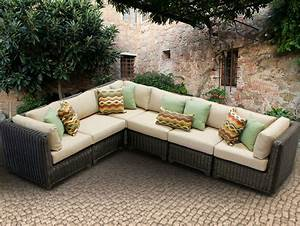 Round sectional patio furnituregriswold curved sectional for Outdoor sectional sofa costco