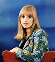 40 Beautiful Color Photos of Marianne Faithfull in the ...