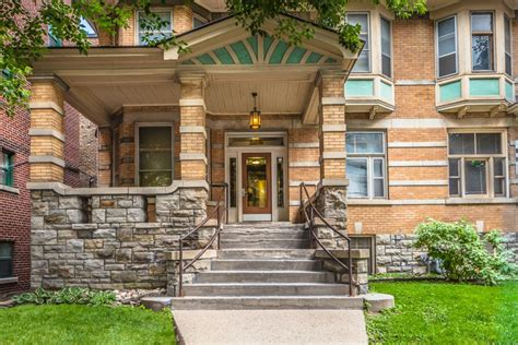 Ottawa Appartment by 182 Lisgar St District Realty