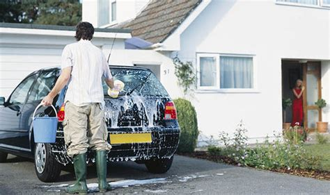 hand washing cars   dying weekend tradition  british