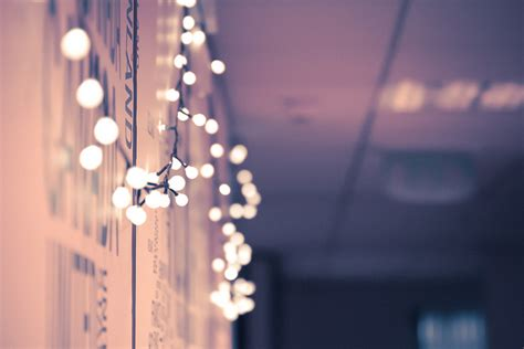 10 non tacky ways to decorate with lights year