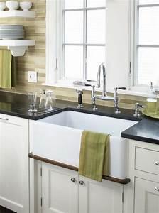 Küchen Wandregale : moderne wei e k che zeigt stil und eleganz vereint ~ Pilothousefishingboats.com Haus und Dekorationen