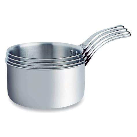 casserole en casserole aluminium table de cuisine