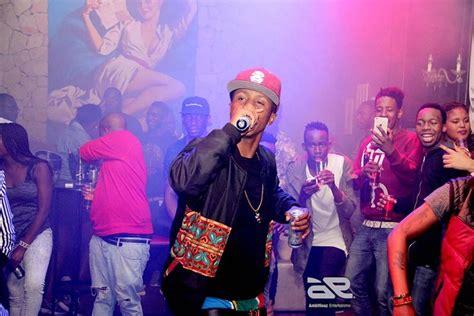 Emtee Roll Up (re Up ) Lyrics Ft Aka And Wizkid