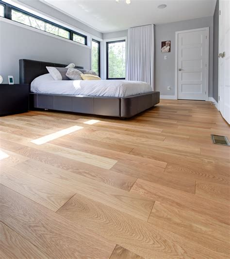Red Oak Flooring For Contemporary Kitchen And Bedroom