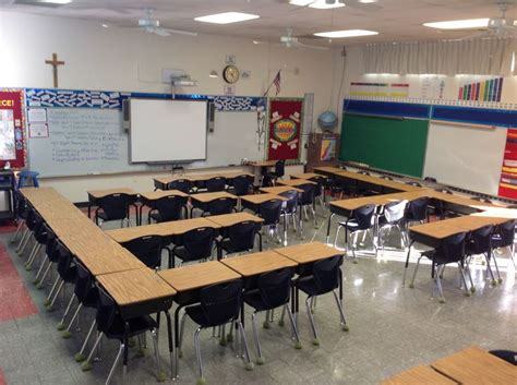 classroom desk arrangements 59 best מקום משחקי שולחנות images on