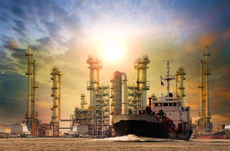 petroleum refiners  shippers struggle  marine fuel
