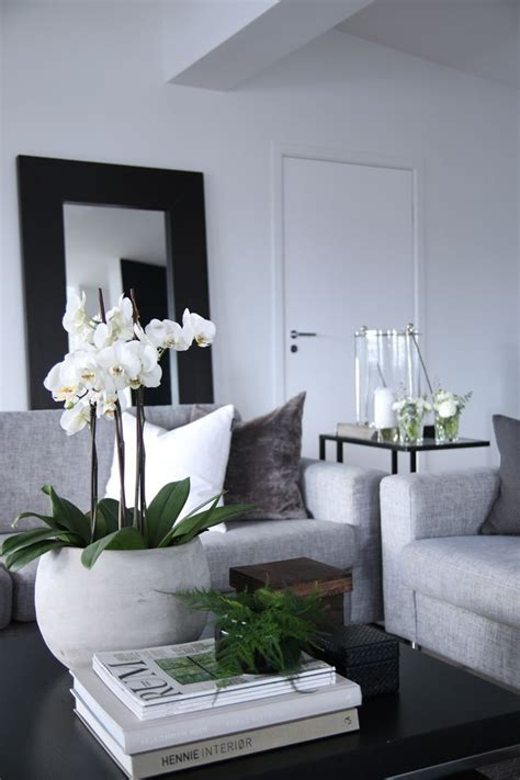 Black And Decor - 25 best ideas about black living rooms on