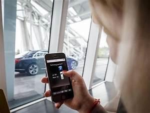 Litiere Qui Se Nettoie Toute Seule : une voiture qui se gare toute seule par mercedes et bosch ~ Melissatoandfro.com Idées de Décoration