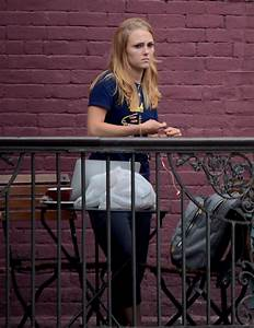 AnnaSophia Robb Out in NYC - Celebzz - Celebzz