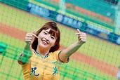 中職/台灣第一啦啦隊美少女 峮峮爆紅登上日本專輯封面 | 運動 | NOWnews 今日新聞