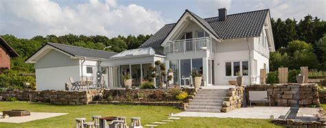 Einfamilienhaus Bauen, Massiv Und Individuell Geplant