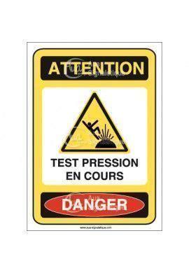 überwachungskamera außen test panneau attention test pression en cours danger ai