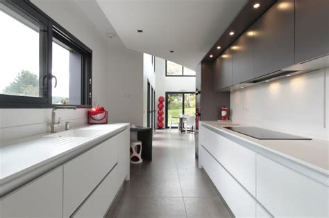 amenager sa cuisine la cuisine couloir 10 exemples à suivre cuisines et bains