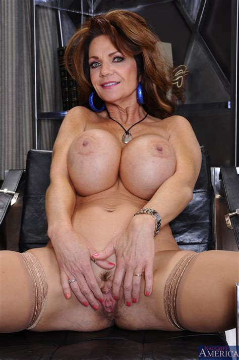Big Titted Milf Got Her Pussy Licked Photos Deauxma Derrick Pierce Milf Fox