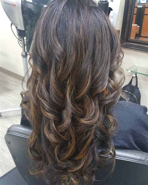 Hair With Highlights Hairstyles by 35 Smart Layered Haircuts For Hair 2017