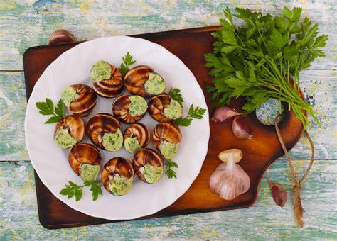 cuisiner escargots les escargots 3 façons de les cuisiner à la cloche d
