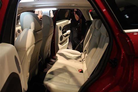 rehausseur si鑒e auto adulte range rover evoque 5 portes avec une banquette arrière automobile