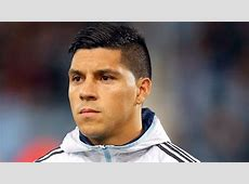 Argentina midfielder Enzo Perez joins Valencia from