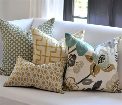 How To Make Living Room Pillows by 25 Best Ideas About Mixing Patterns Decor On
