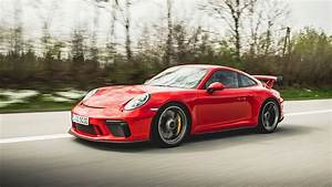 The Porsche Macan takes muscle | Automotive Car News