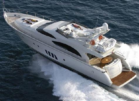 Luxe Motorjacht motorjacht huren voor een luxe vaarvakantie ook kooihuur