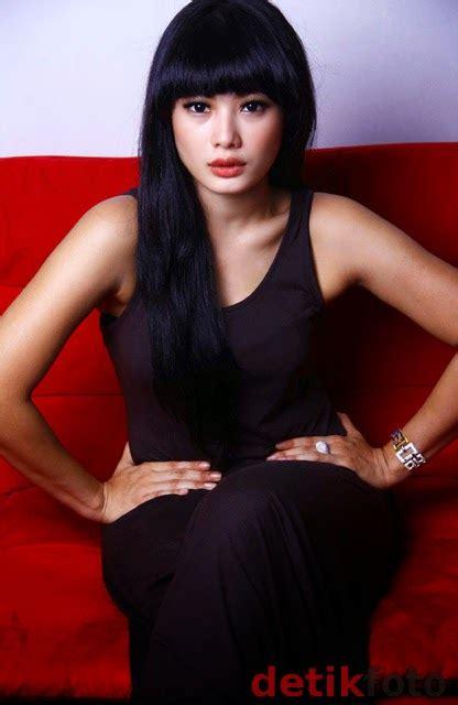 Kumpulan Foto Cerita Artis Hot Nabila Putri Athina Nabila