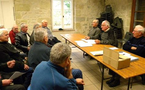 bureau des anciens combattants les anciens combattants ont renouvelé leur bureau sud