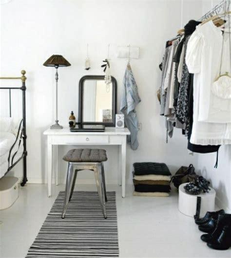 Kleiderstange Für Die Wand by Kleiderstange F 252 R Wand 24 Originelle Modelle Archzine Net