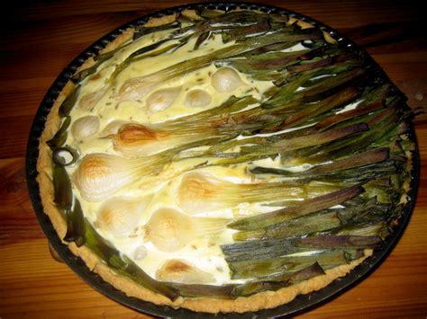 cuisiner oignon nouveau tarte aux petits oignons nouveaux lilizen cuisine