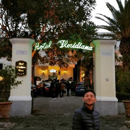 Hotel Ischia Porto Via Roma by L Entrata Su Via Roma Foto Di Hotel Floridiana Terme