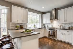 kitchen ideas houzz what is the width between the stove and peninsula counter