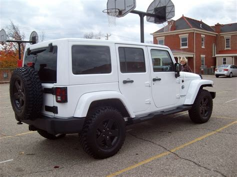 white jeep black rims the gallery for gt white jeep wrangler with black rims