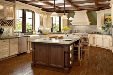white kitchen cabinets with chocolate glaze antique white kitchen cabinets with chocolate glaze 2070